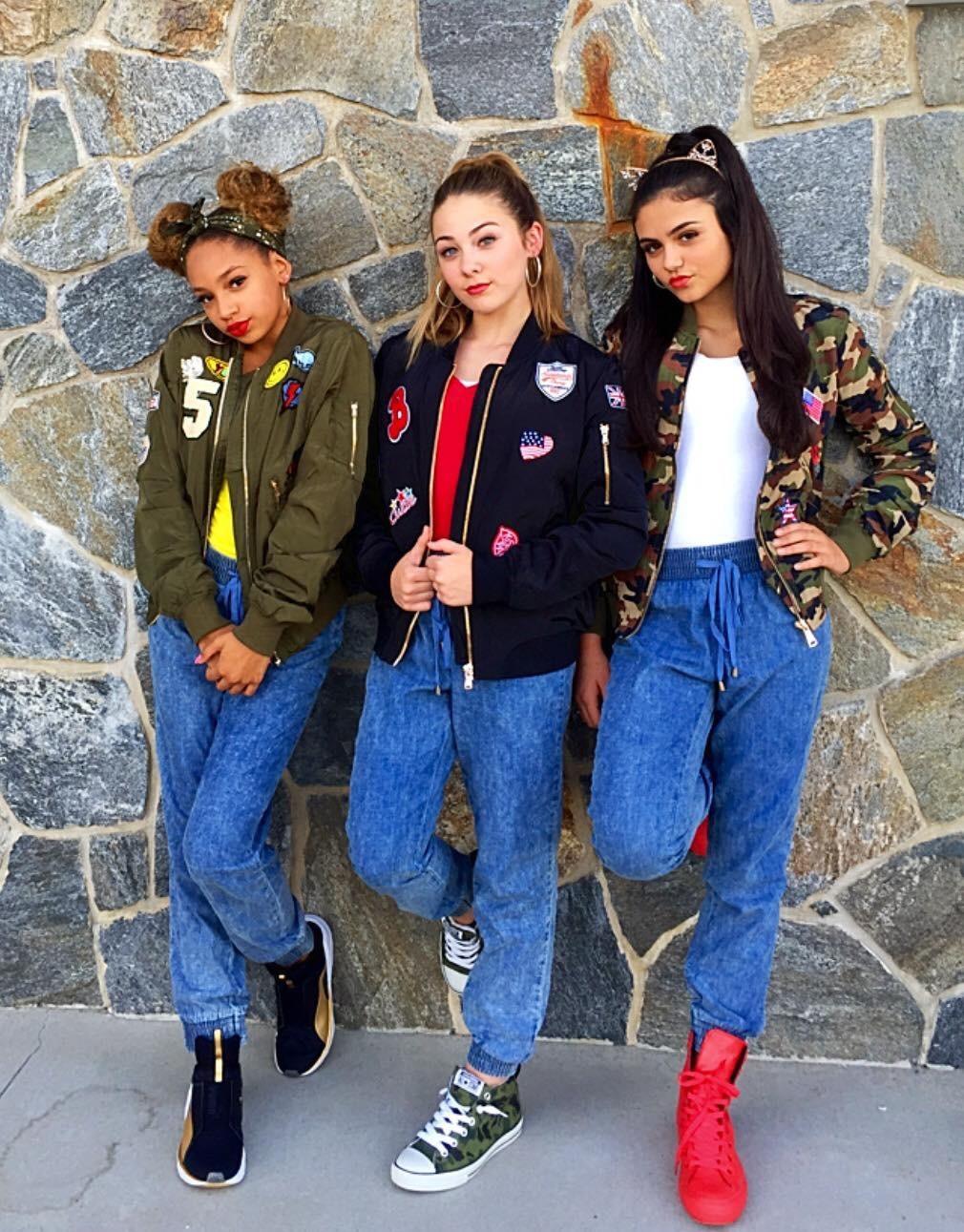 3d Girls.jpg